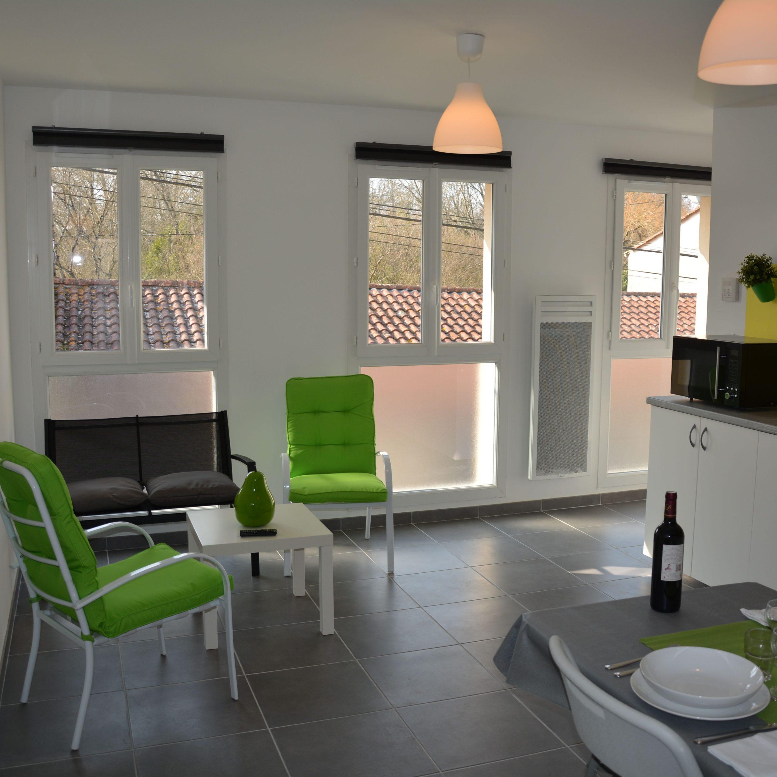 salon fenêtre location linclassable